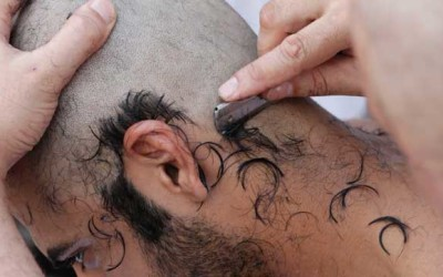 Cutting hair in umrah