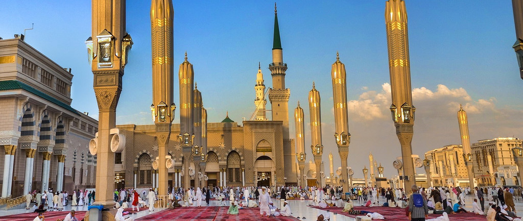 Umrah packages London-Umrah Tour Services for Groups